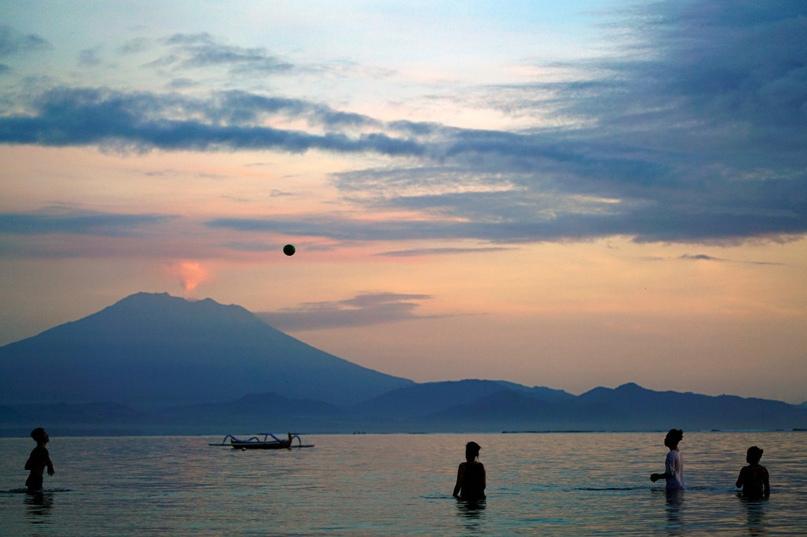 Кто согласится жить рядом с действующим вулканом? Знакомимся со смельчаками 1