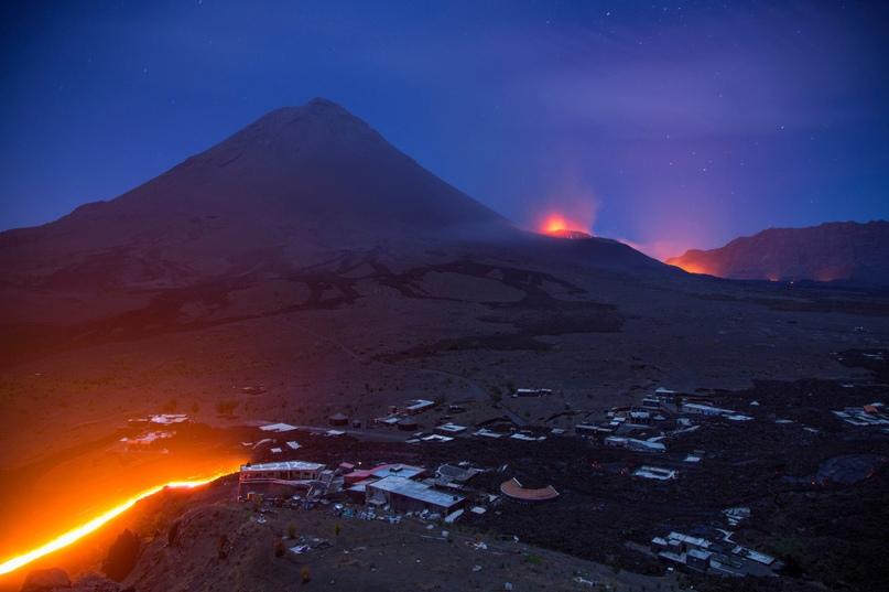 Кто согласится жить рядом с действующим вулканом? Знакомимся со смельчаками 7