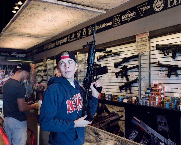Три дня за стойкой магазина по продаже оружия 3