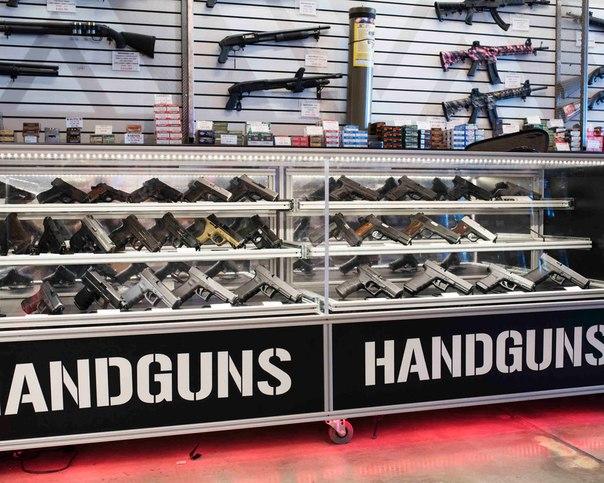 Три дня за стойкой магазина по продаже оружия 5