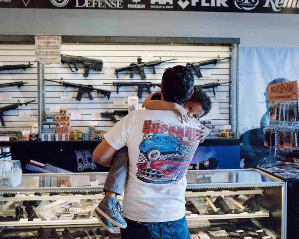 Три дня за стойкой магазина по продаже оружия 6