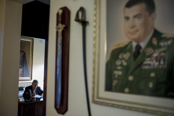 История о генерале, который два года борется с властью и избегает ареста 1